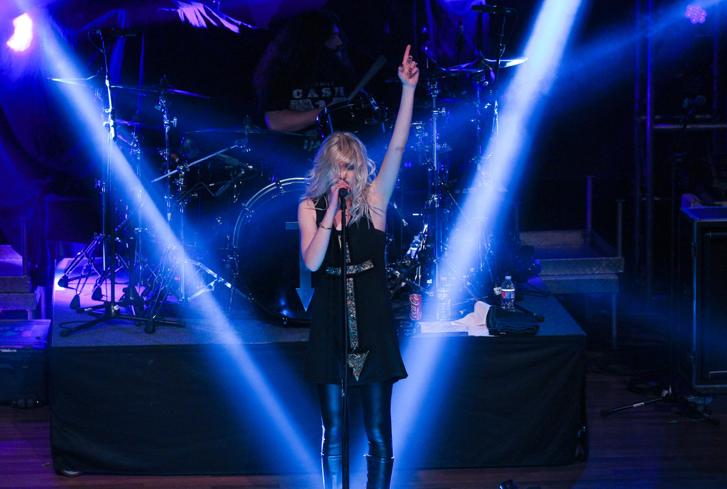 Taylor Momsen 2015 : Taylor Momsen: The Pretty Reckless Performs -06