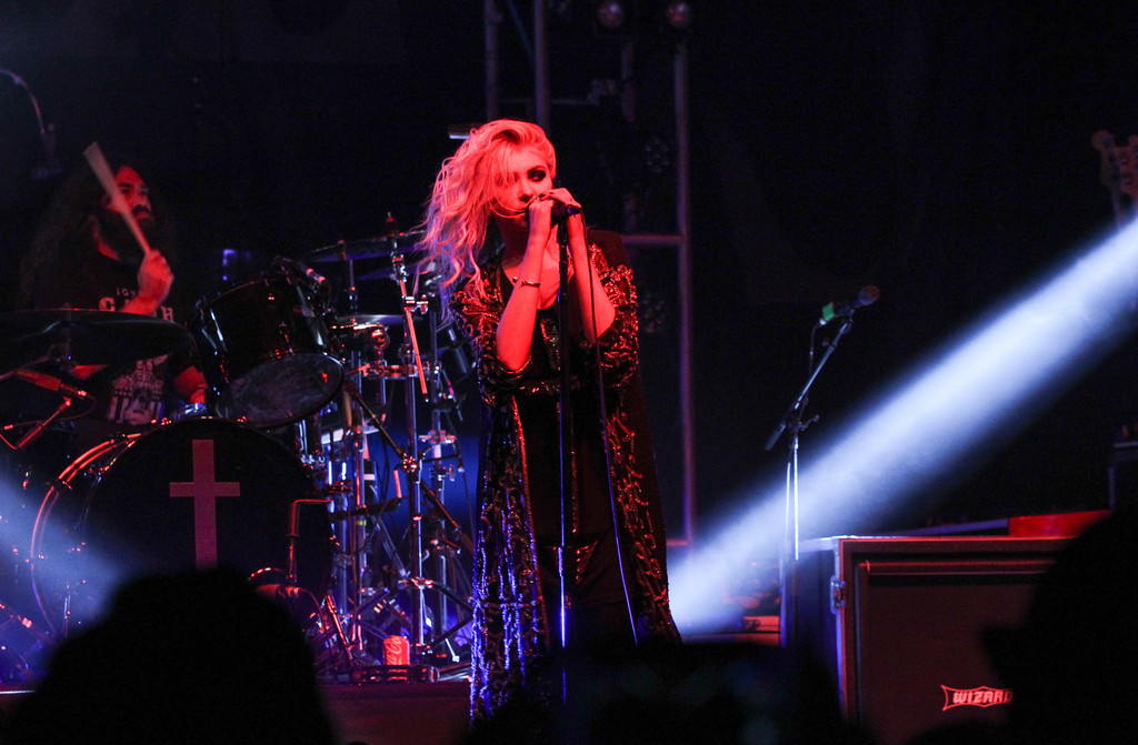 Taylor Momsen 2015 : Taylor Momsen: The Pretty Reckless Performs -07