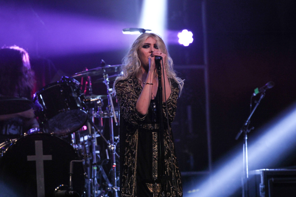 Taylor Momsen 2015 : Taylor Momsen: The Pretty Reckless Performs -09