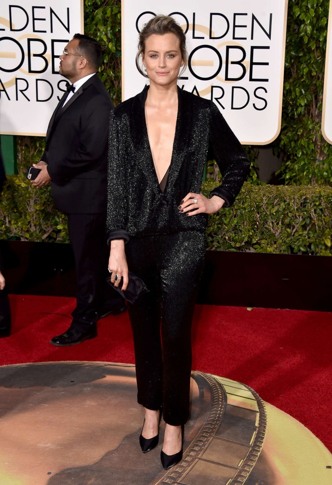 Taylor Schilling - 2016 Golden Globe Awards in Beverly Hills