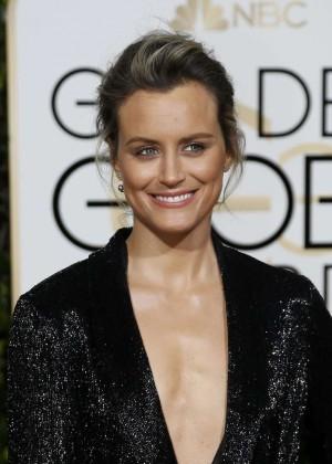 Taylor Schilling: 2016 Golden Globe Awards -02