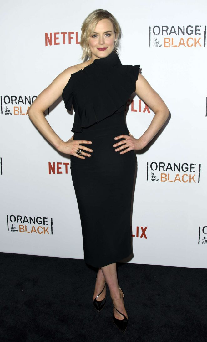 Taylor Schilling – 'Orange Is The New Black' Season 4 Premiere in New York