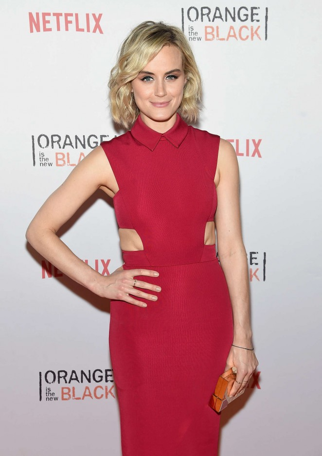 Taylor Schilling – 'Orangecon' Fan Event in NYC