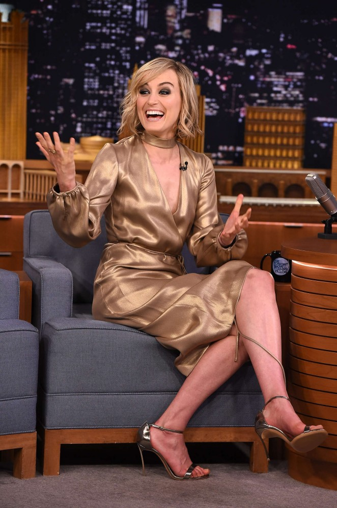 Taylor Schilling – 'The Tonight Show Starring Jimmy Fallon' in NYC