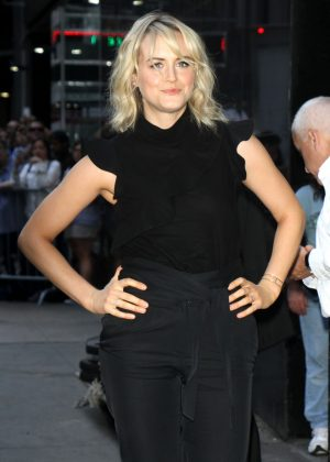 Taylor Schilling - Visits Good Morning America in New York