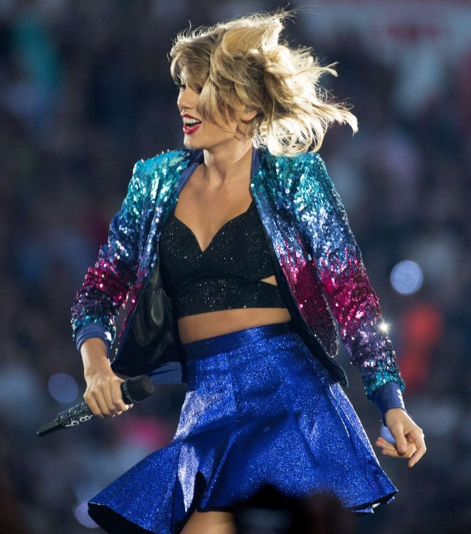 Taylor Swift - '1989 World Tour' Concert in Vancouver