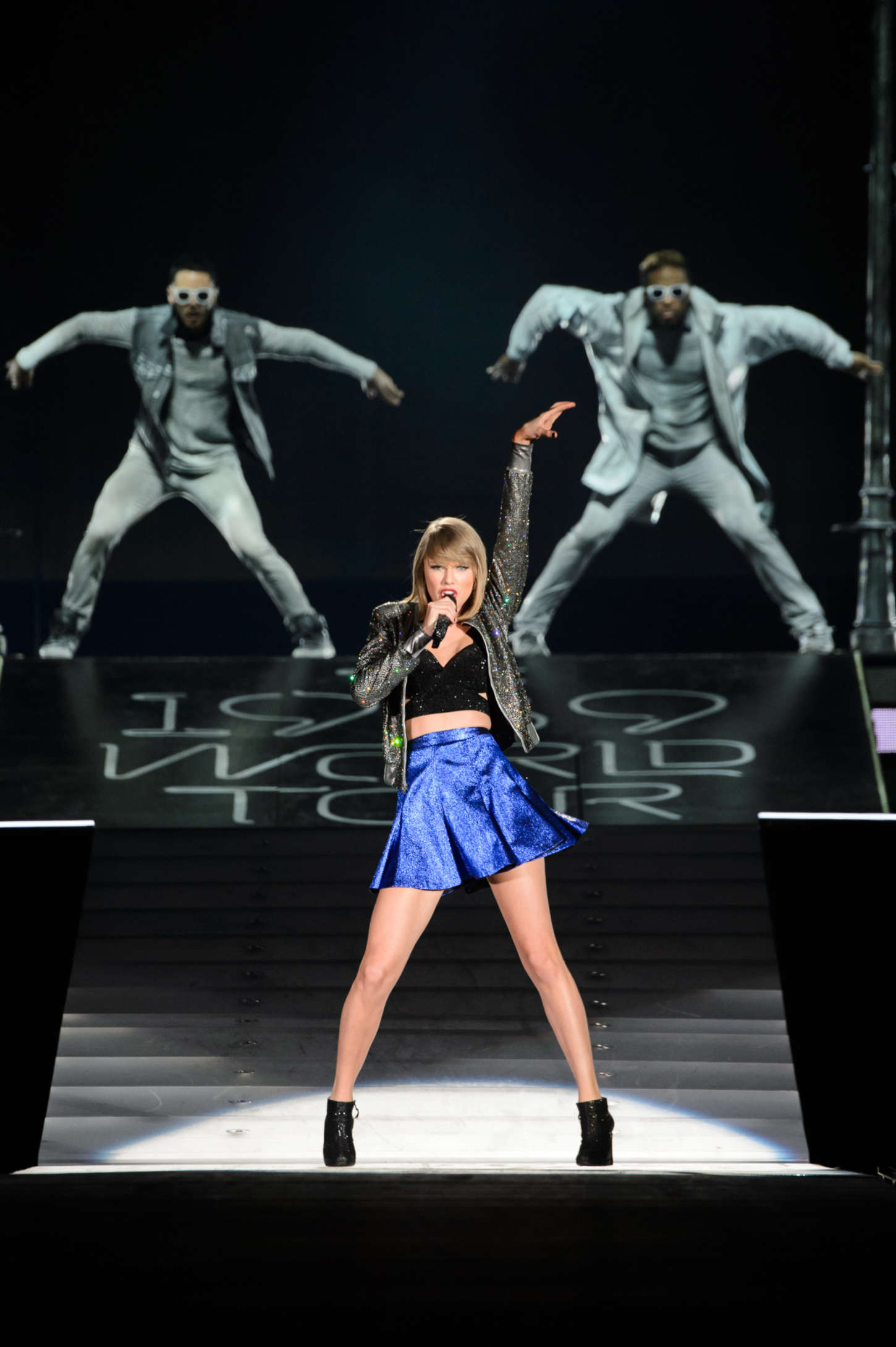 1989 world tour in detroit taylor swift performs in detroit 02