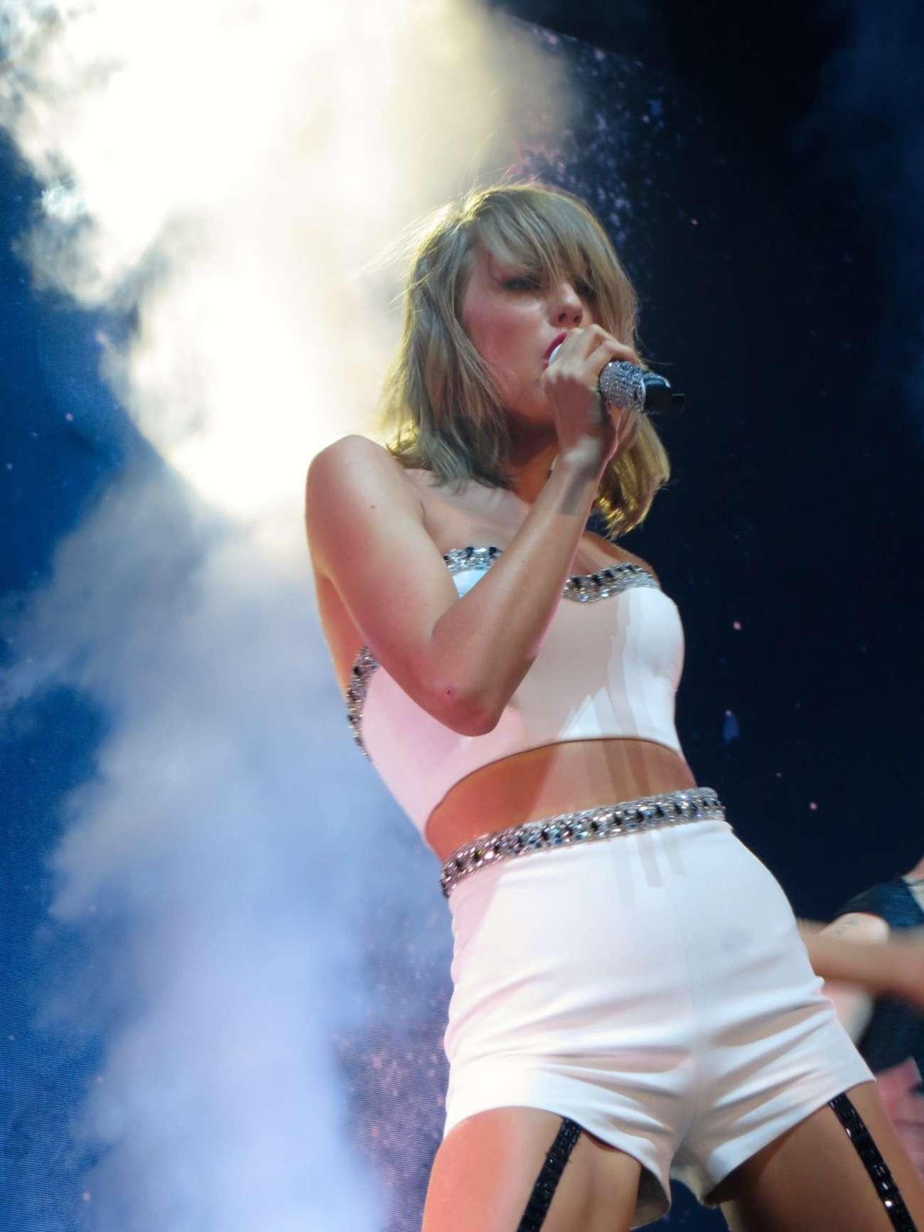 Taylor Swift 1989 World Tour In Glasgow