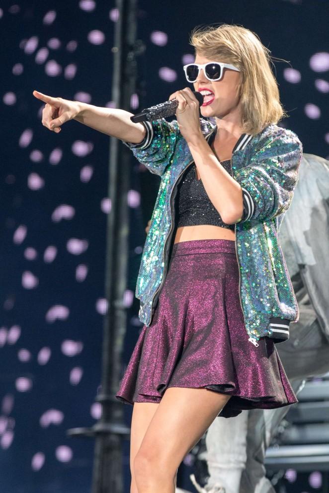 Taylor Swift: 1989 World Tour in Illinois -12