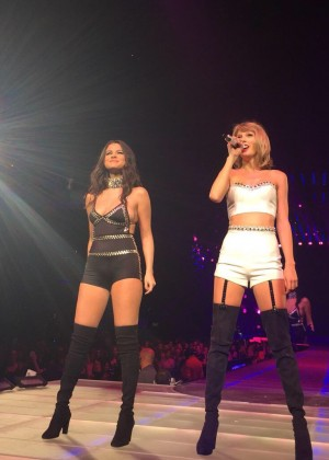 Taylor Swift and Selena Gomez: Performs in Los Angeles -19