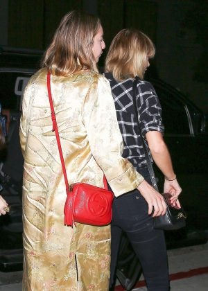 Taylor Swift - Arriving at Arclight Movie Theater in LA