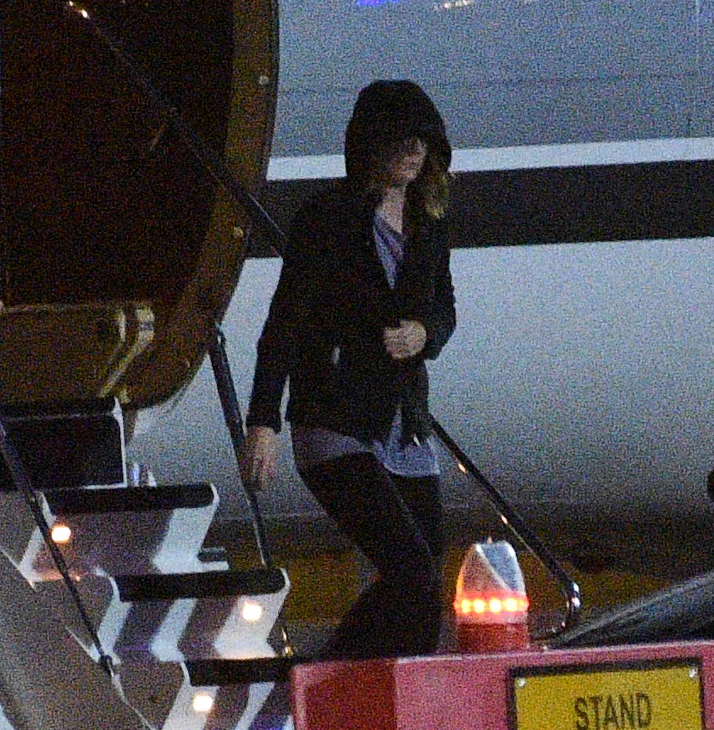 Taylor Swift Arriving at Luton private terminal in London
