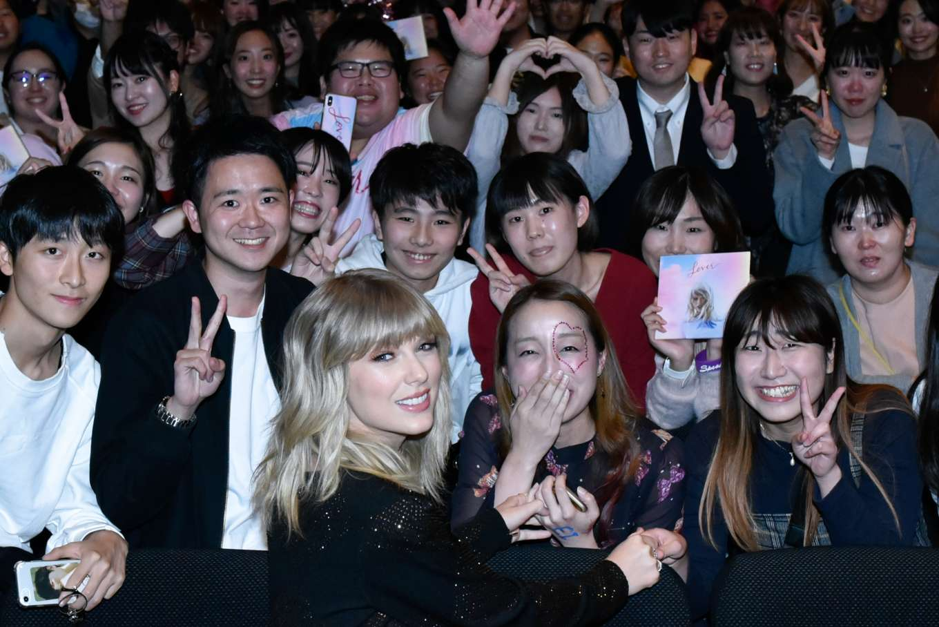Taylor Swift 2019 : Taylor Swift at a Fan Event in Tokyo-02