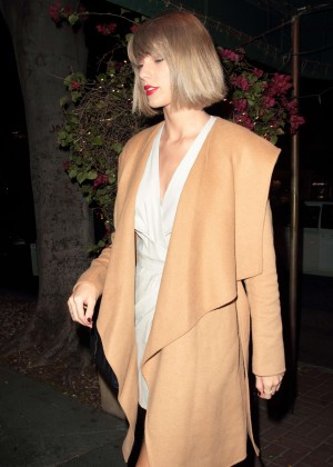 Taylor Swift at Madeo Restaurant in Hollywood