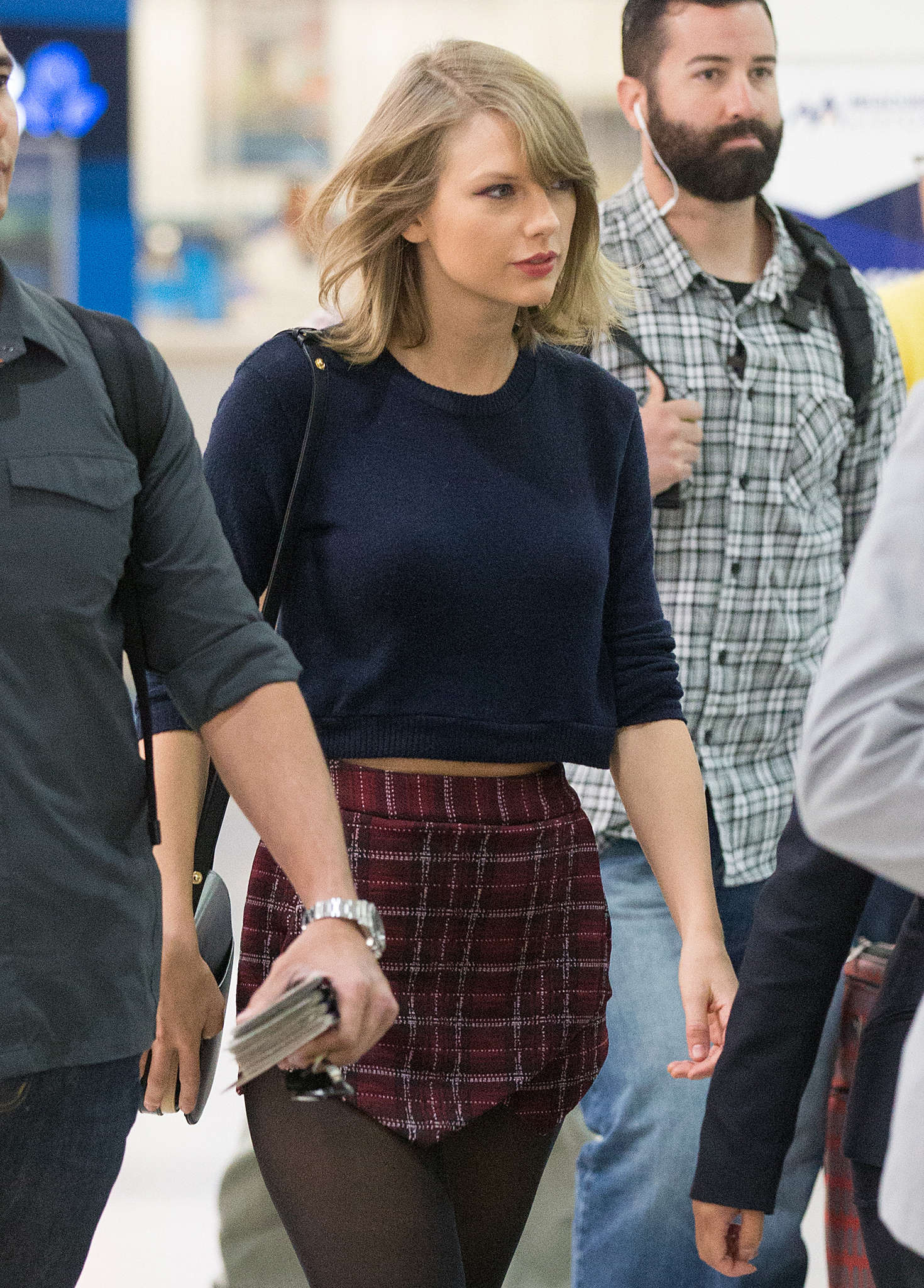 Taylor swift dating in Melbourne