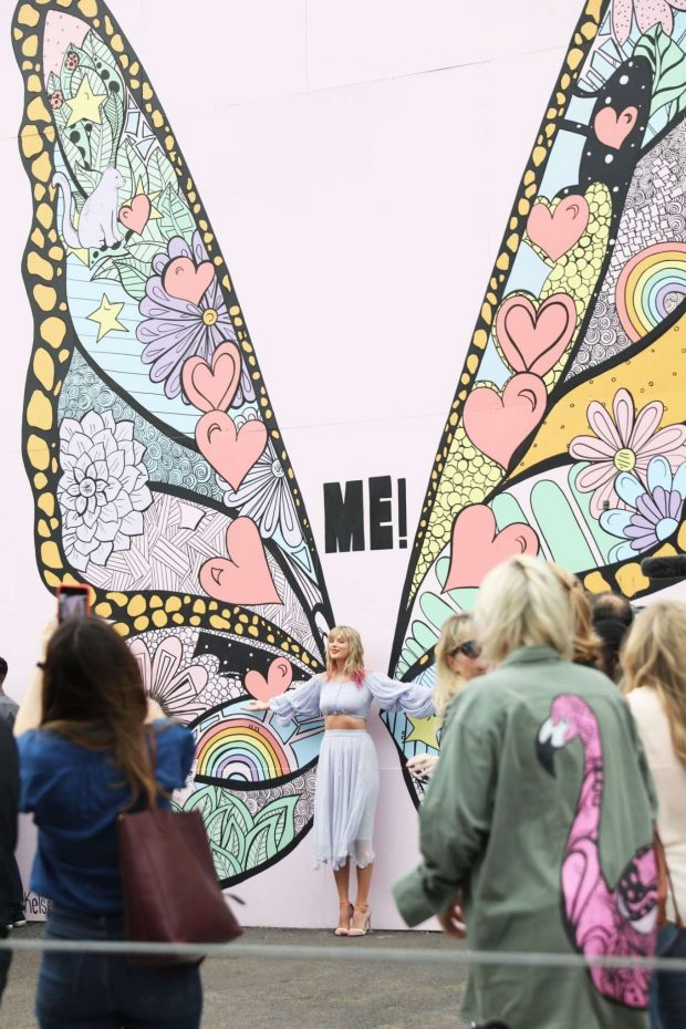 Taylor Swift at the new Kelsey Montague What Lifts You Up Mural -06