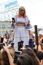Taylor Swift at the new Kelsey Montague 'What Lifts You Up' Mural in Nashville