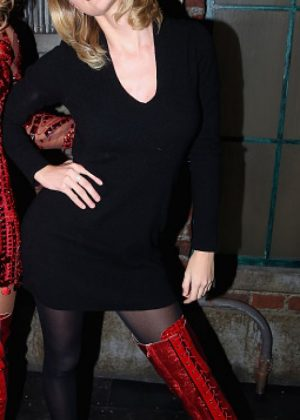 Taylor Swift - Backstage at Kinky Boots On Broadway in NYC