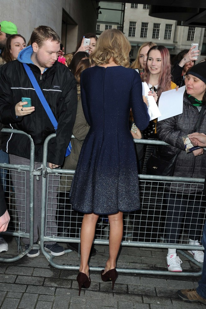 Taylor Swift: BBC Radio 1 Studios -02
