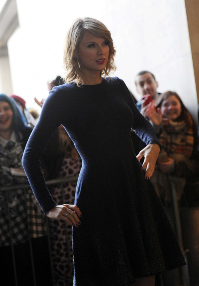 Taylor Swift: BBC Radio 1 Studios -07