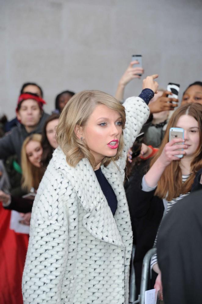 Taylor Swift 2015 : Taylor Swift: BBC Radio 1 Studios -10