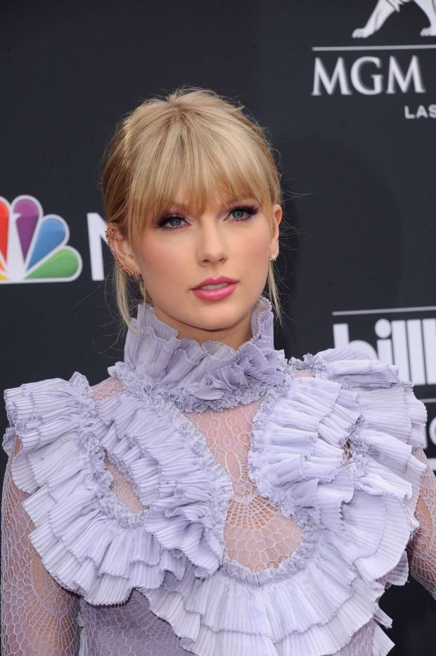 Taylor Swift: Billboard Music Awards 2019 at MGM Grand Garden Arena in Las Vegas-02