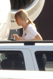 Taylor Swift - Boarding her private jet in Rhode Island