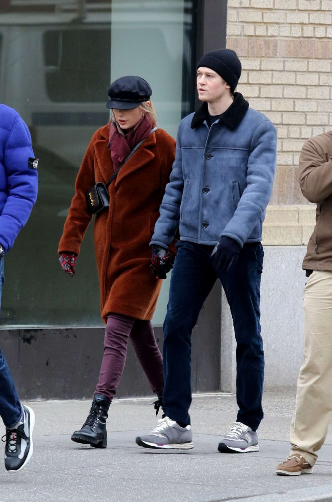 Taylor Swift boyfriend Joe Alwyn - Out and about in NYC