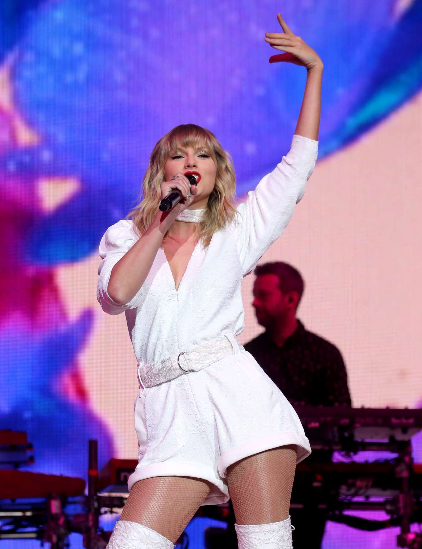 Taylor Swift - Capital's Jingle Bell Ball 2019 in London