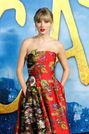 Taylor Swift - 'Cats' Premiere in New York