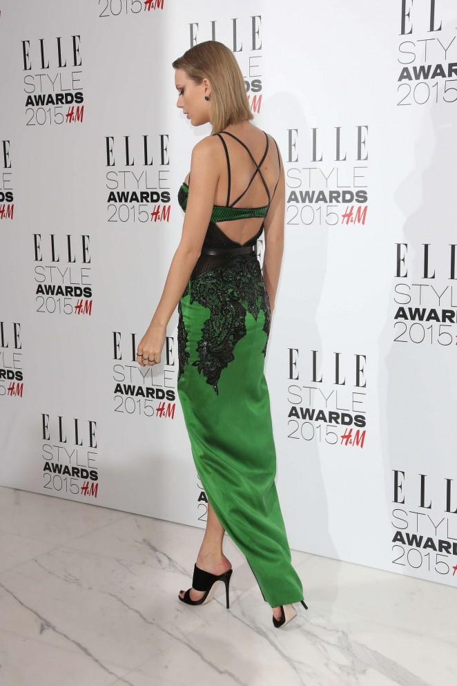 Taylor Swift Elle Style Awards 2015 09 Gotceleb