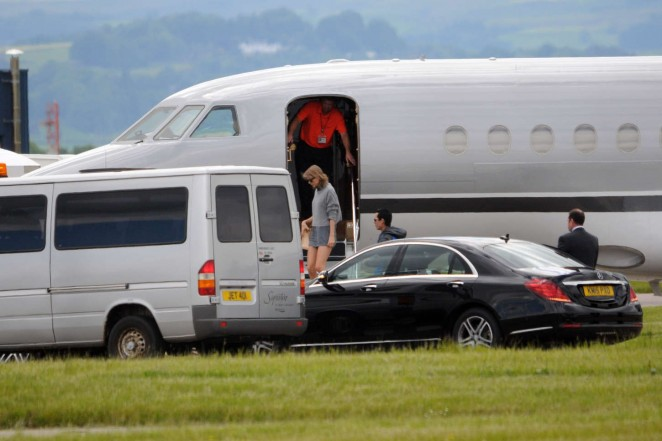 Taylor Swift in Shorts at Glasgow Airport -03