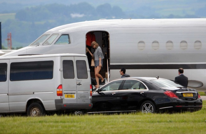 Taylor Swift in Shorts at Glasgow Airport -11
