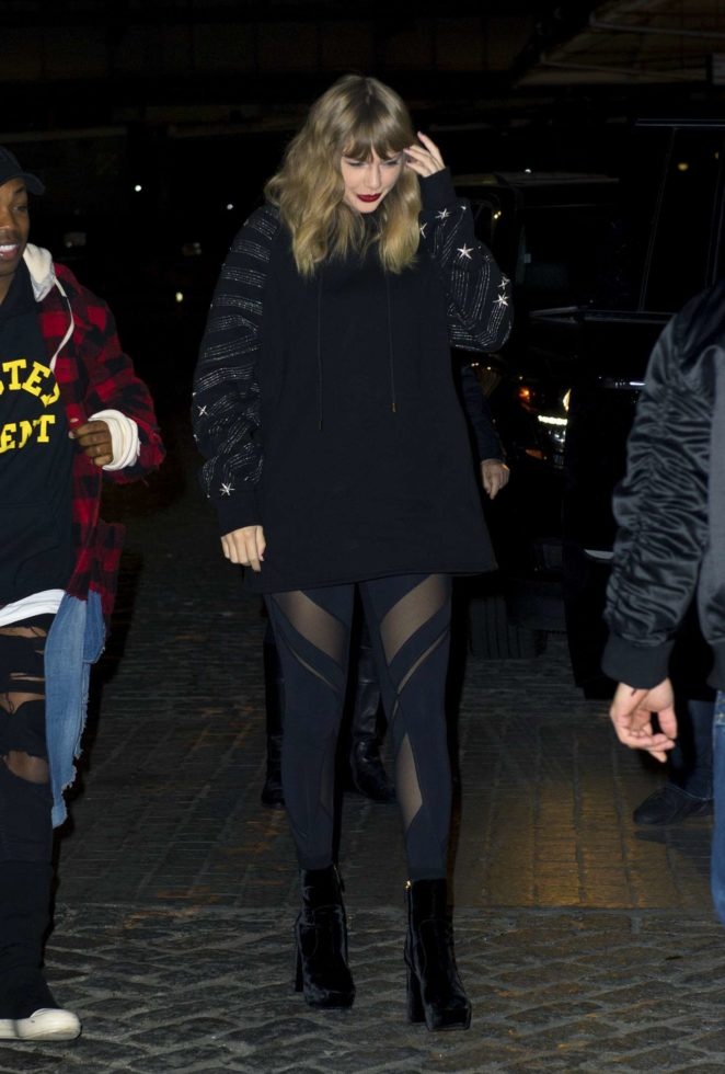 Taylor Swift: Heads to her album pop up shop at South Street Seaport -11