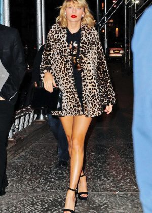 Taylor Swift in Leopard Print Coat Heads to Her Apartment in NYC