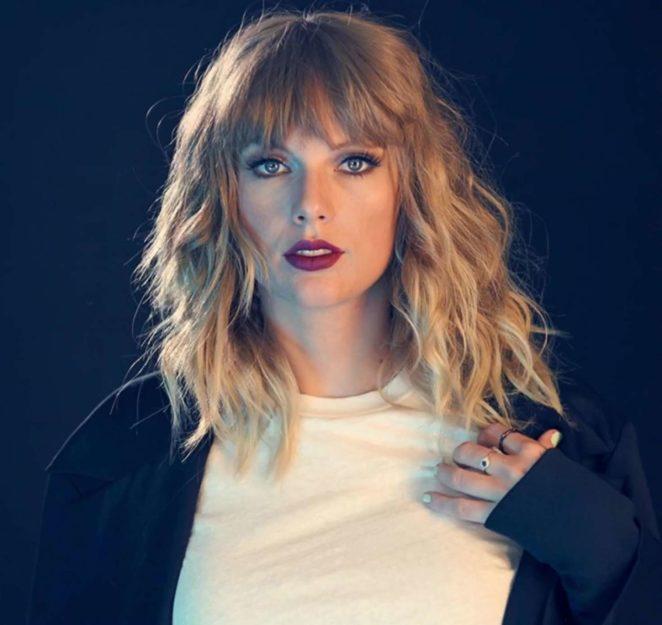 Taylor Swift – Headshot 2017