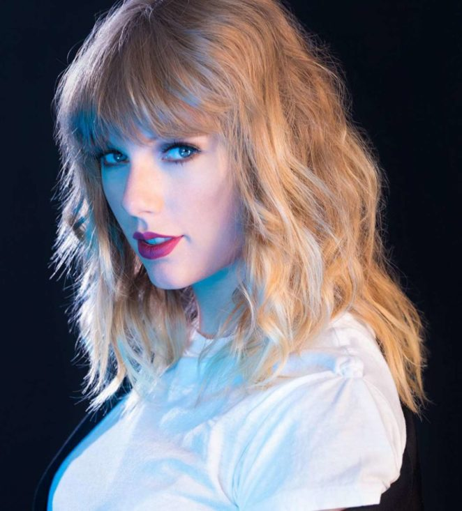Taylor Swift: Headshot 2017 -08