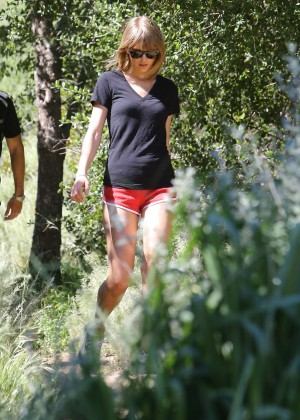 Taylor Swift in Red Shorts -04