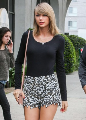 Taylor Swift in Short Skirt Out in Beverly Hills