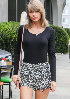 taylor swift in short skirt out in beverly hills. Black Bedroom Furniture Sets. Home Design Ideas