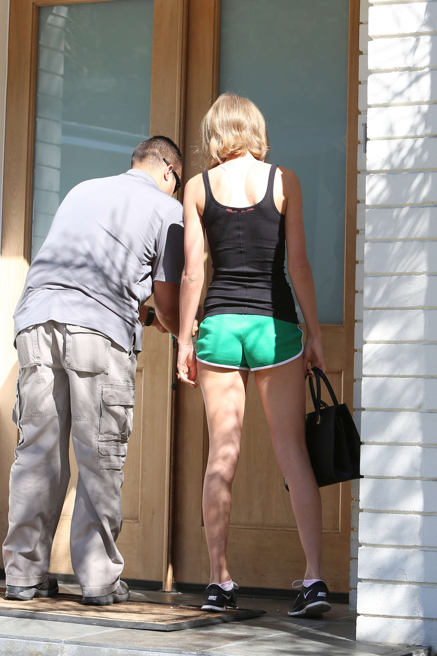 Taylor Swift Booty in Shorts -16   GotCeleb