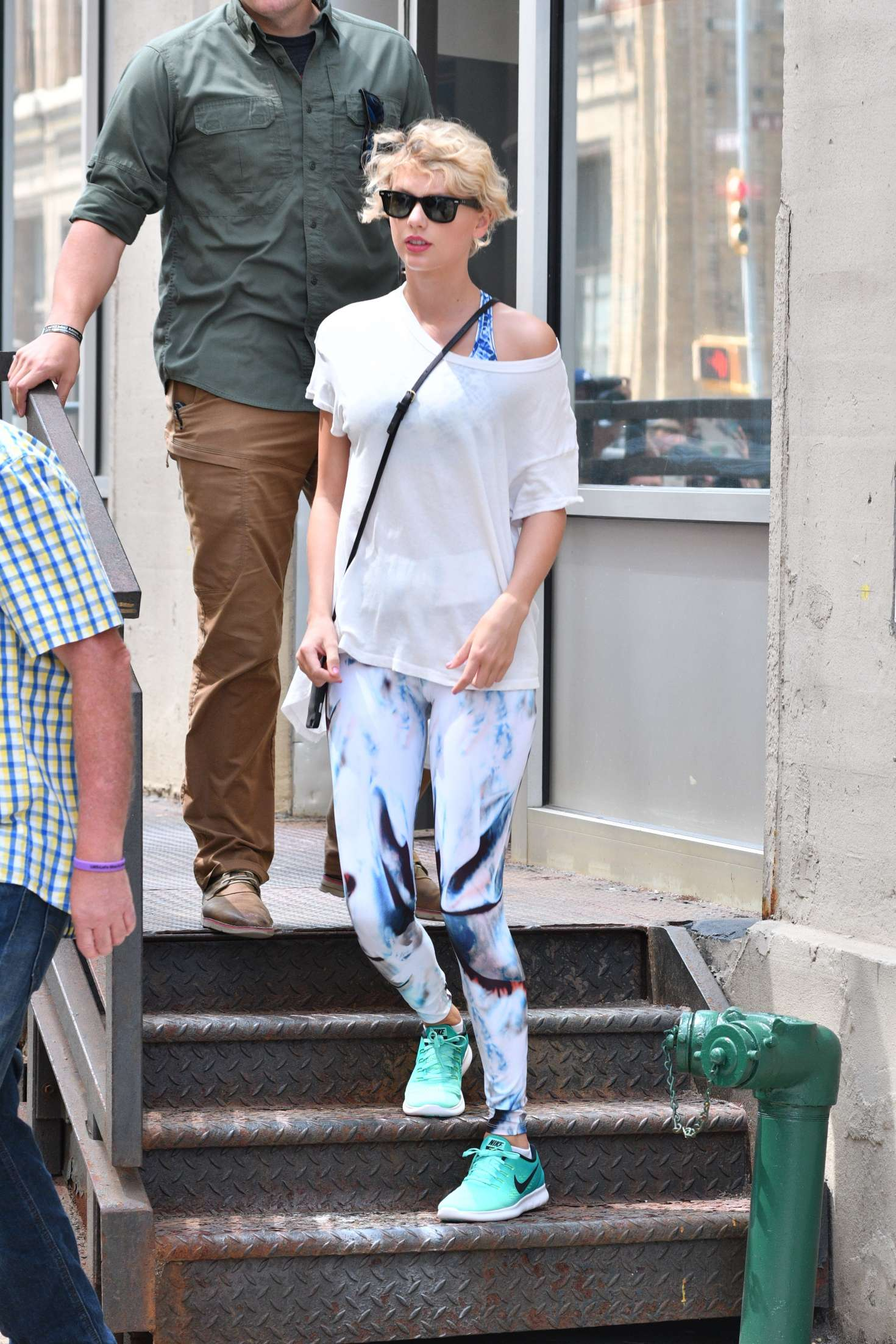 Taylor Swift in Tights Leaving Her Gym in Manhattan