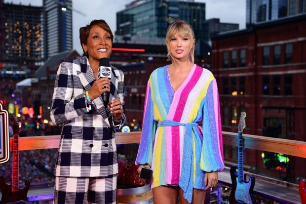 Taylor Swift - Interview with Robin Roberts at NFL Draft in Nashville