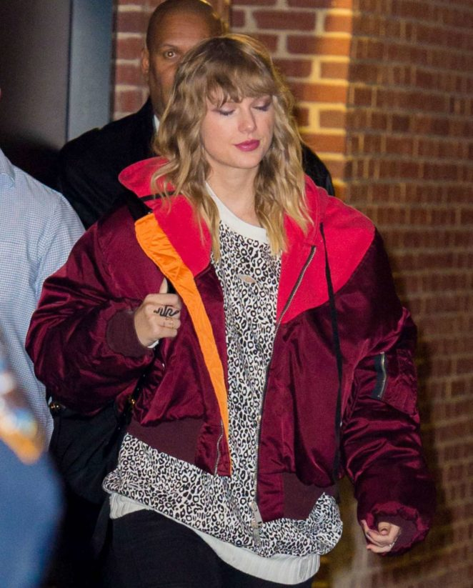 Taylor Swift - Leaving her album release after party for Reputation in NY