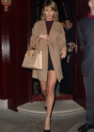 Taylor Swift - Leaving Loulou's Club in London