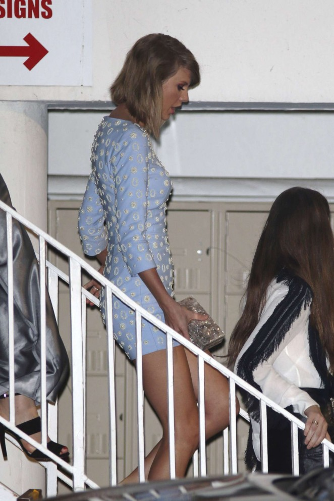 Taylor Swift – Leaving The Beverly Hilton Hotel in Beverly Hills