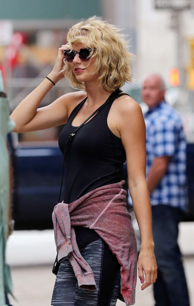 Taylor Swift - Leaving the gym in New York