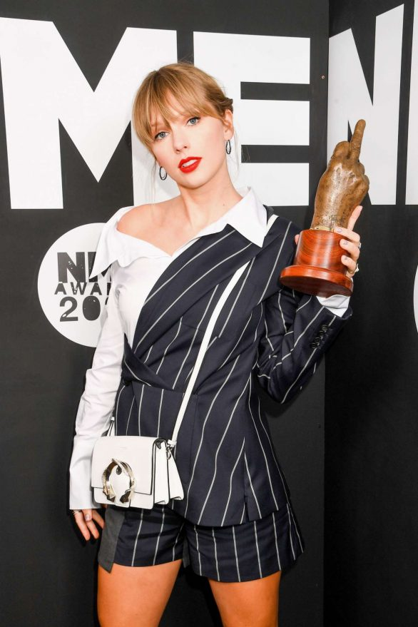 Taylor Swift 2020 : Taylor Swift – NME Awards 2020 in London-01