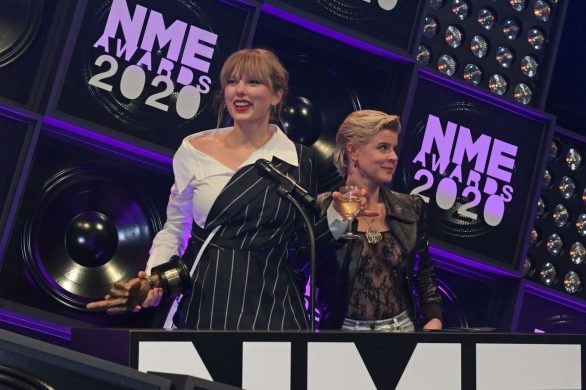Taylor Swift 2020 : Taylor Swift – NME Awards 2020 in London-02