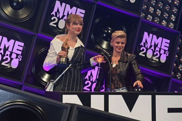 Taylor Swift 2020 : Taylor Swift – NME Awards 2020 in London-04